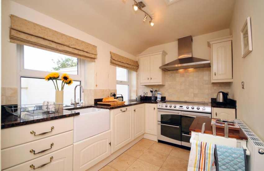 Big holiday house North Wales - kitchen