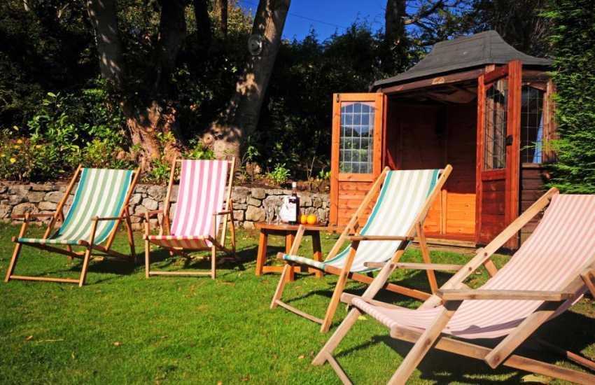 Dog friendly cottage north Wales - garden