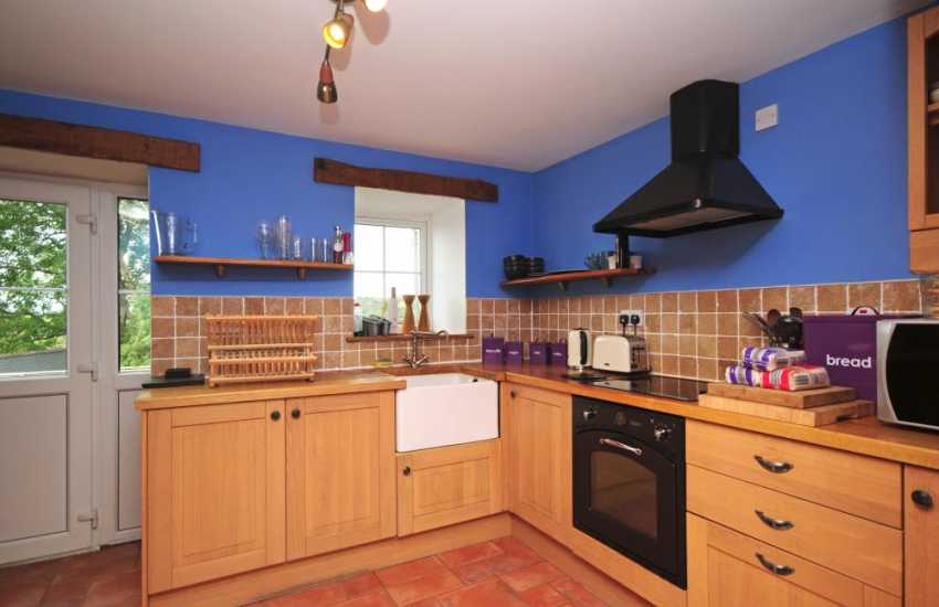Cwm Nantcol holiday cottage - kitchen