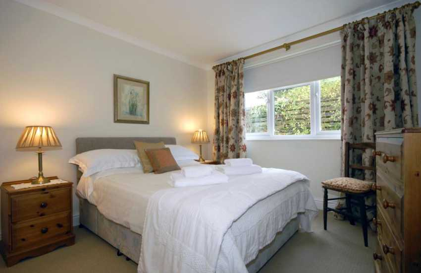 St Davids holiday cottage sleeps 4 - double