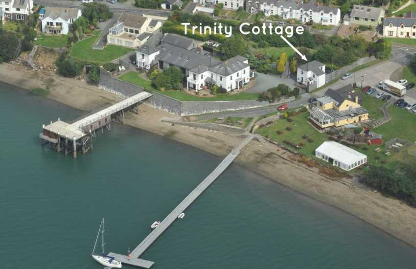 Haven Waterway - Trinity Cottage riverside holiday complex
