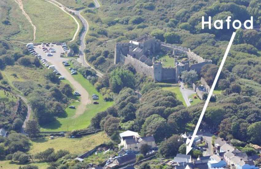 Manorbier holiday cottage near the castle and beach
