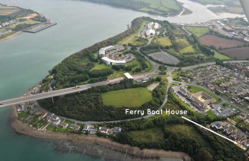 Pembrokeshire luxury holiday home overlooking the Cleddau River