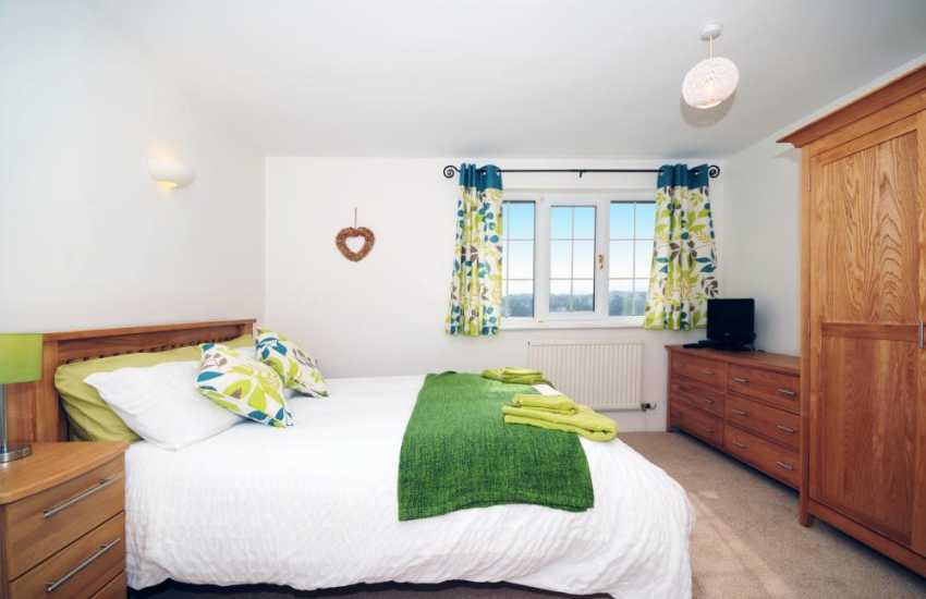 Cottage on the Menai Straits - double bedroom