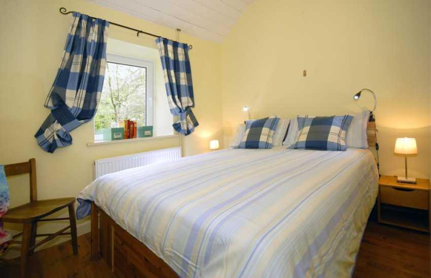 Pendine holiday home sleeps 4 - double