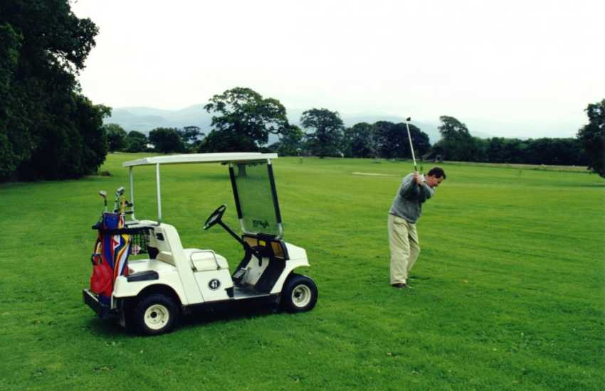 Golfers can hire a 2 person buggy and bring it directly to the cottage gate to load golf clubs!