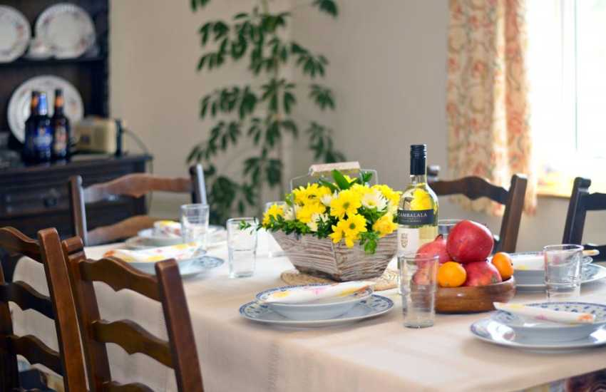 Mid Wales holiday cottage - dining room