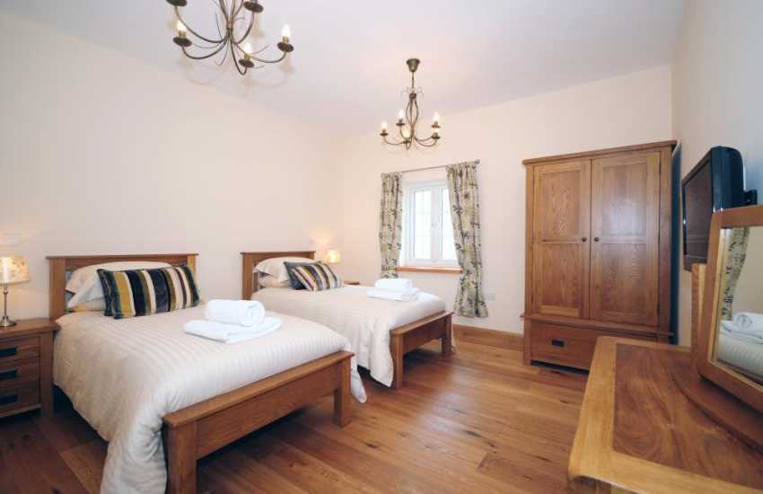 Holiday cottage Aberystwyth - twin bedroom