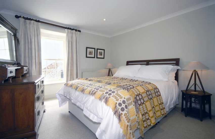 Wales, Cardigan Bay holiday home sleeps 8 - second floor double