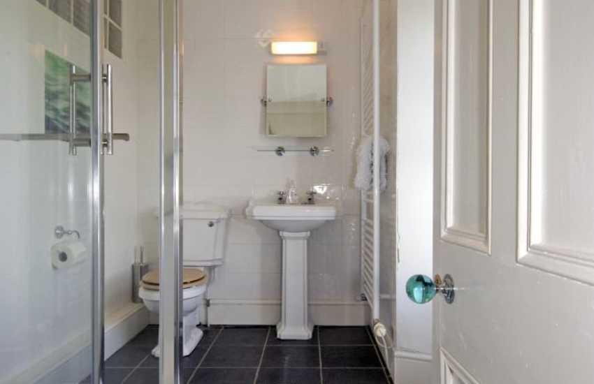Nolton cottage Pembrokeshire - double en-suite shower