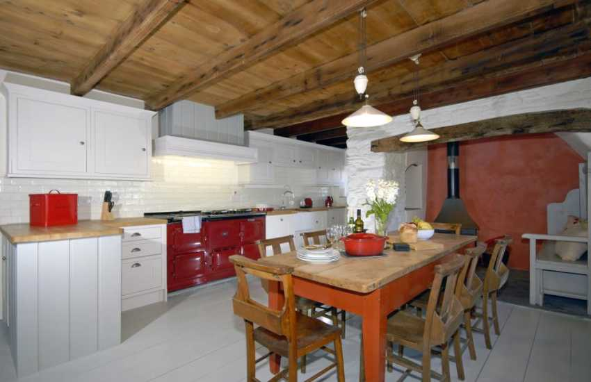 Self catering cottage near St Davids with electric Aga - luxury kitchen/diner