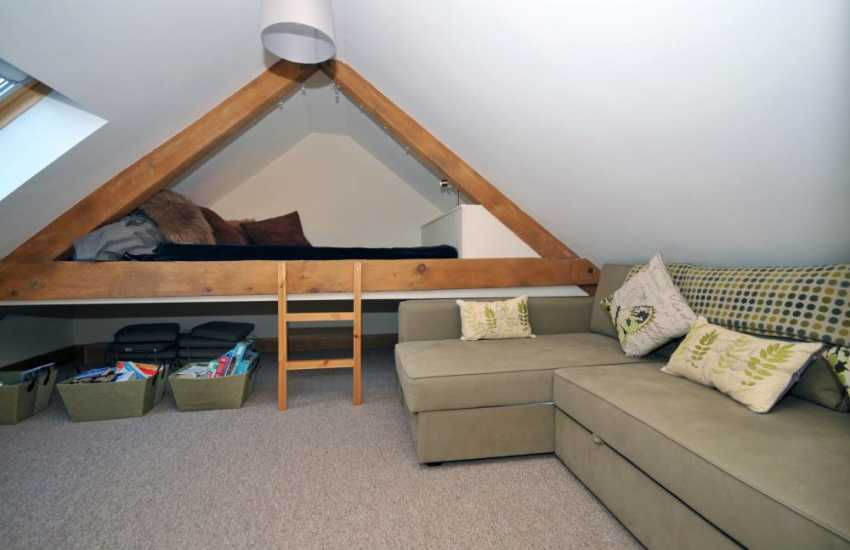 Pet friendly barn conversion for holidays