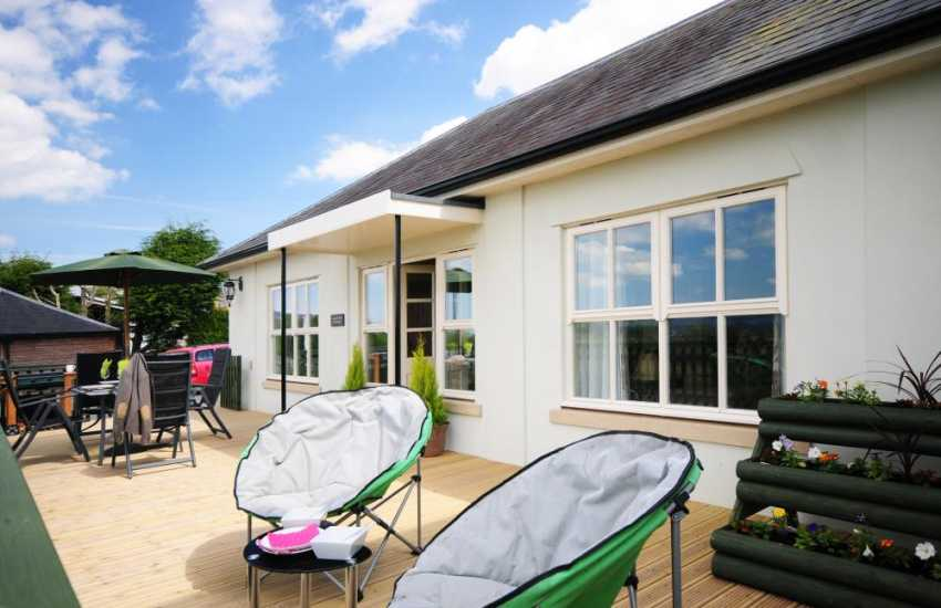 Holiday cottage bungalow Welshpool - terrace