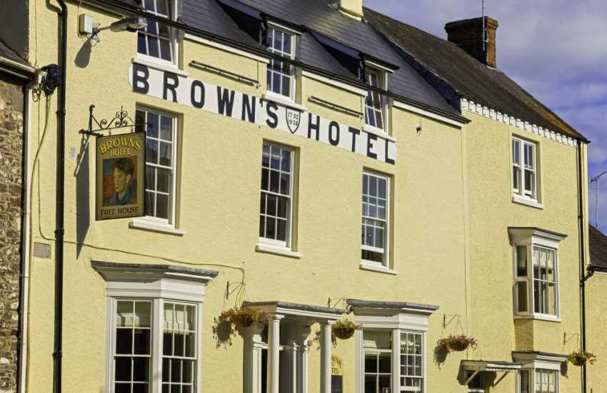 Browns Hotel, famous as Dylan Thomas's preferred drinking establishment, open for lunch or supper