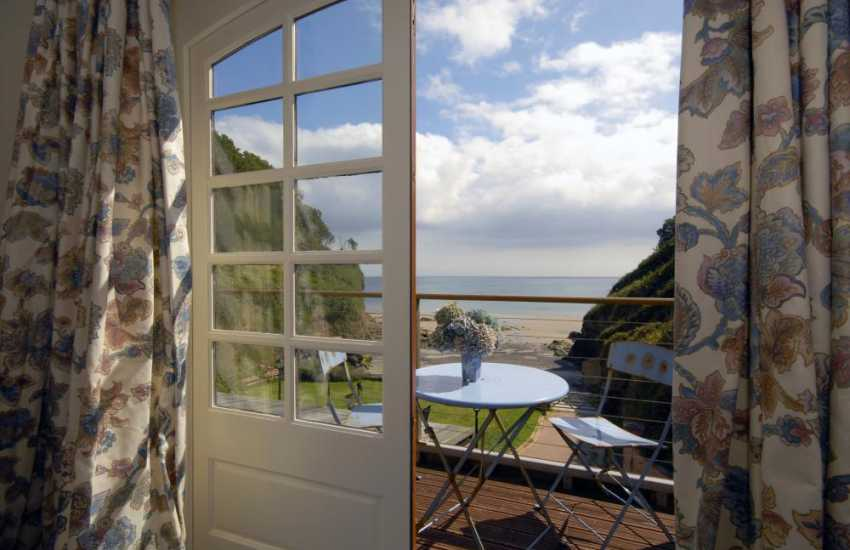 Saundersfoot Pembrokeshire beach side holiday house - twin with sea views