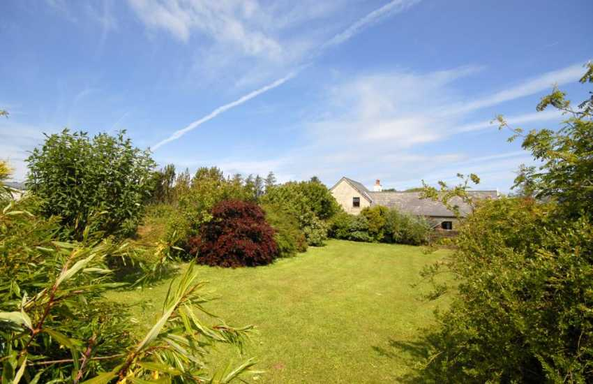 Holiday home near Strumble Head with large sheltered rear garden