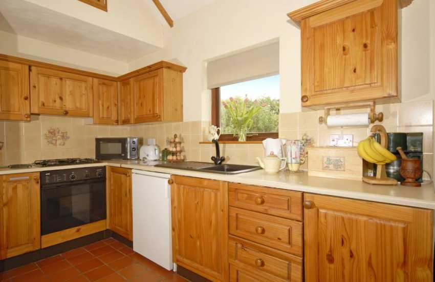 Holiday cottage near Trefin in Pembrokeshire - kitchen