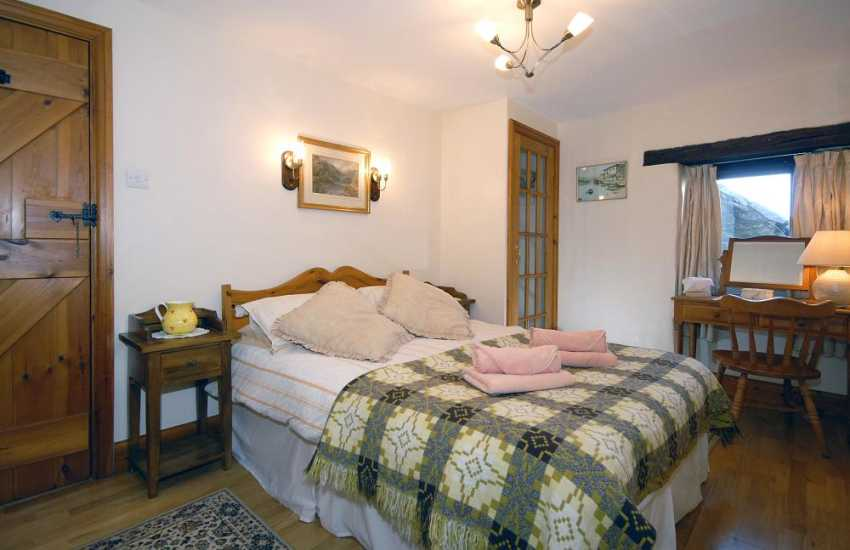 Whitesands Pembrokeshire holiday cottage - ground floor en-suite double freeview digital tv