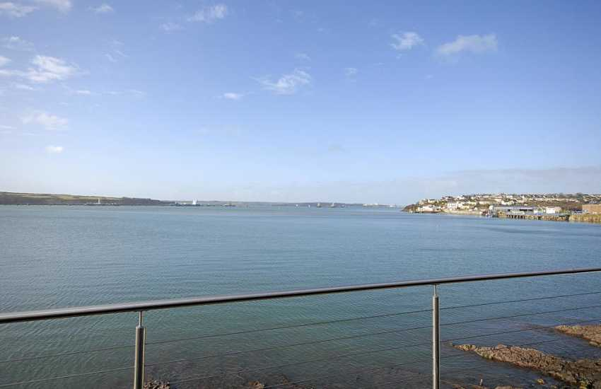 Enjoy fabulous views across the ever changing Haven Waterway from almost every room in this luxury waterside apartment