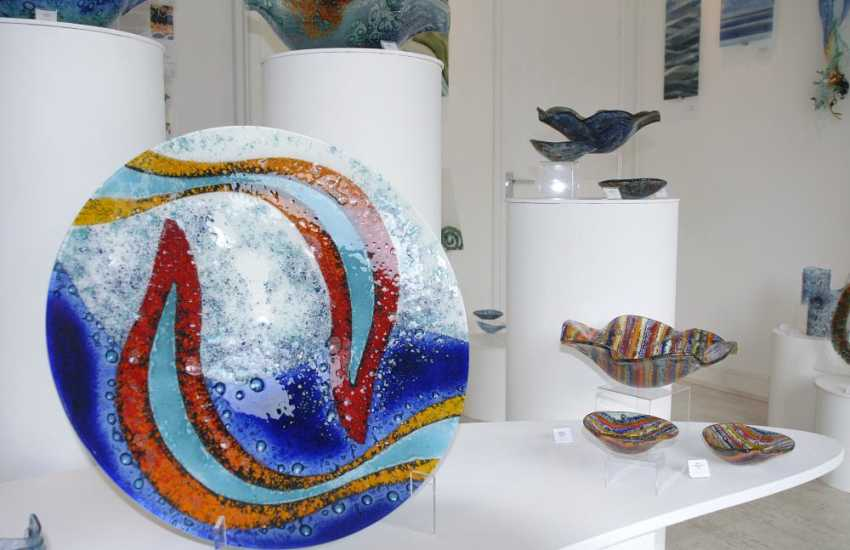 Visit The Steve Robinson Glass Studio in St Davids for a stunning range of contemporary handmade glass pieces