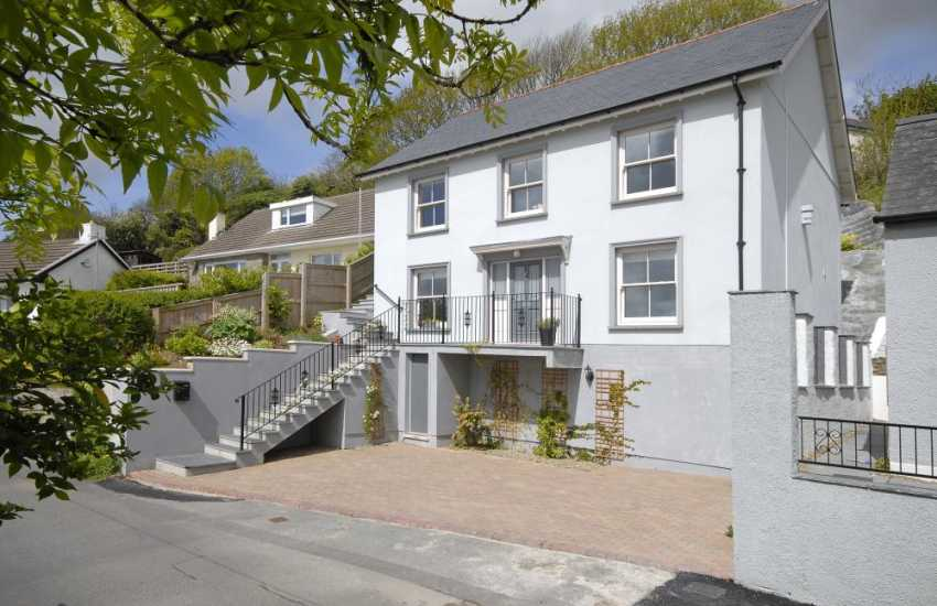 Pembrokeshire Haven Waterway elegant new house with garden and river views - pets welcome