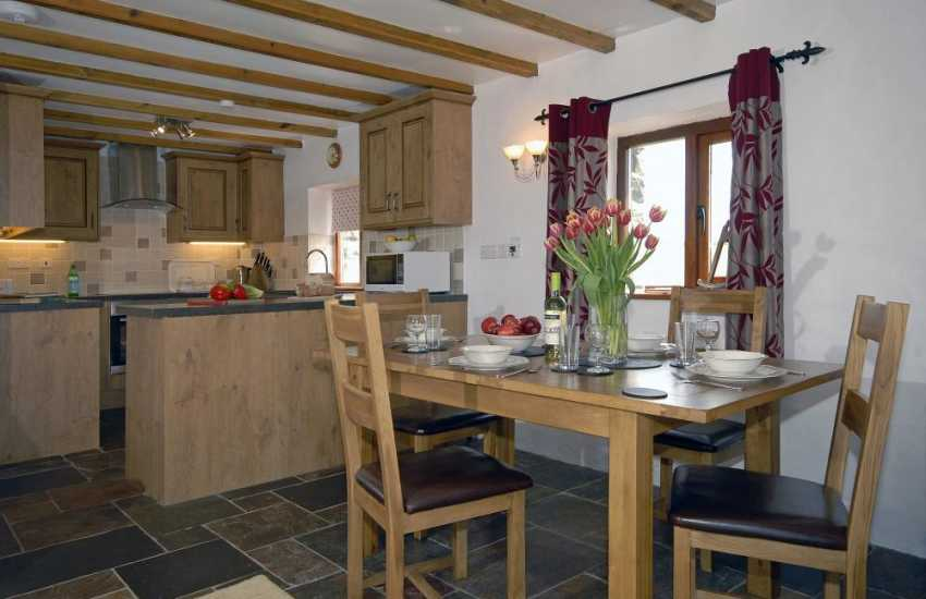 Abercastle self catering Pembrokeshire cottage with open plan Kitchen/dining/living room