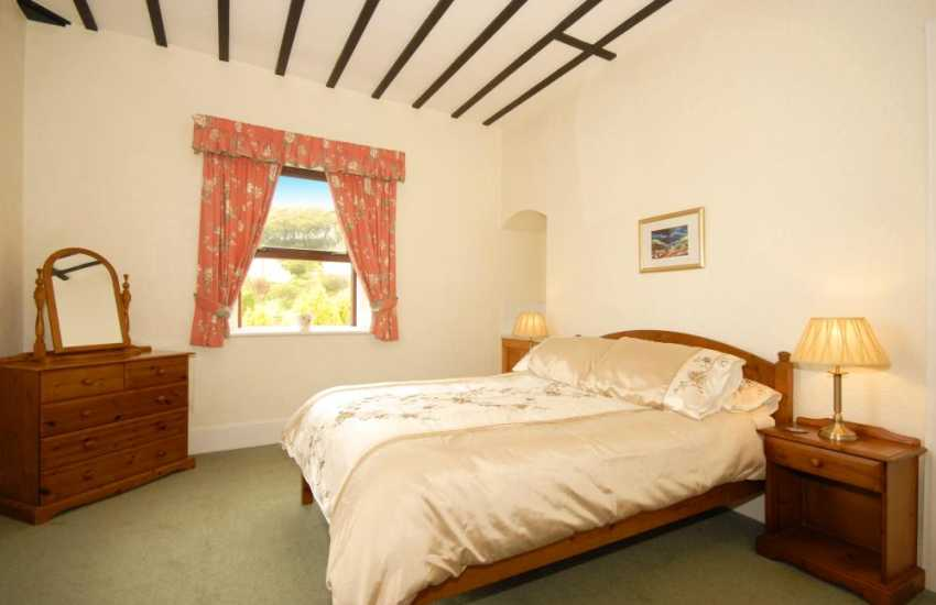 Pembrokeshire holiday home - double with river views