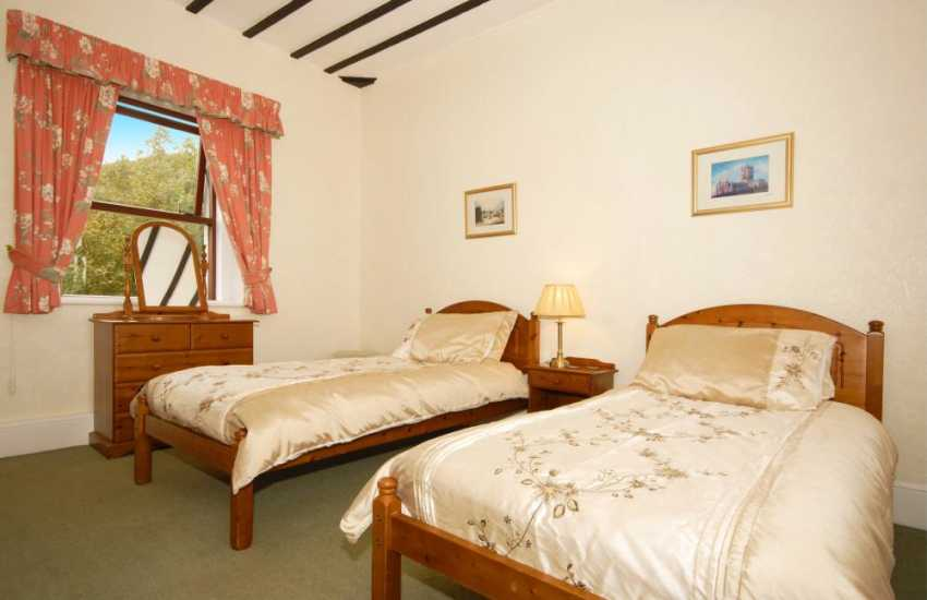 South Pembrokeshire holiday home for rent - twin