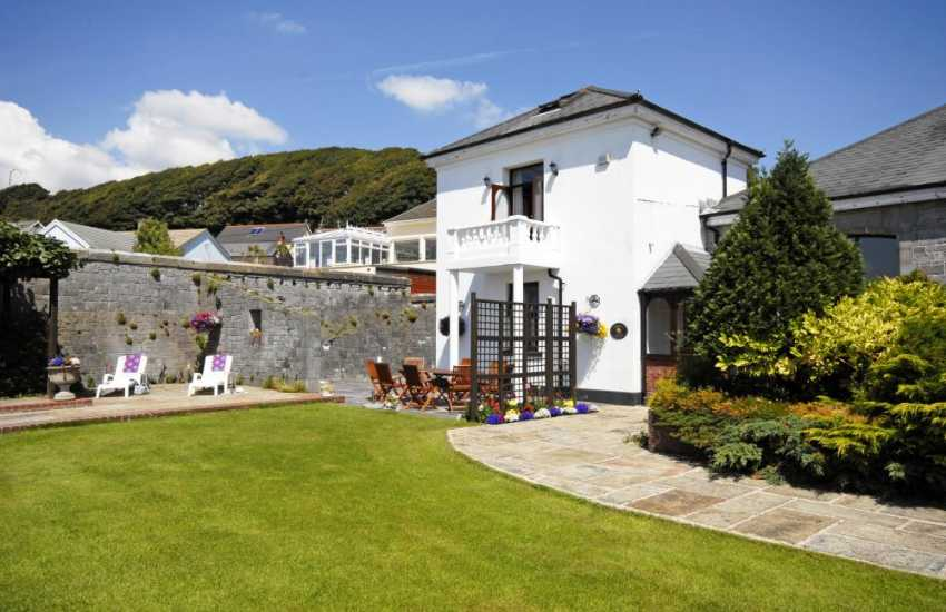 Holiday villa on The Haven Waterway, Pembrokeshire - pets welcome