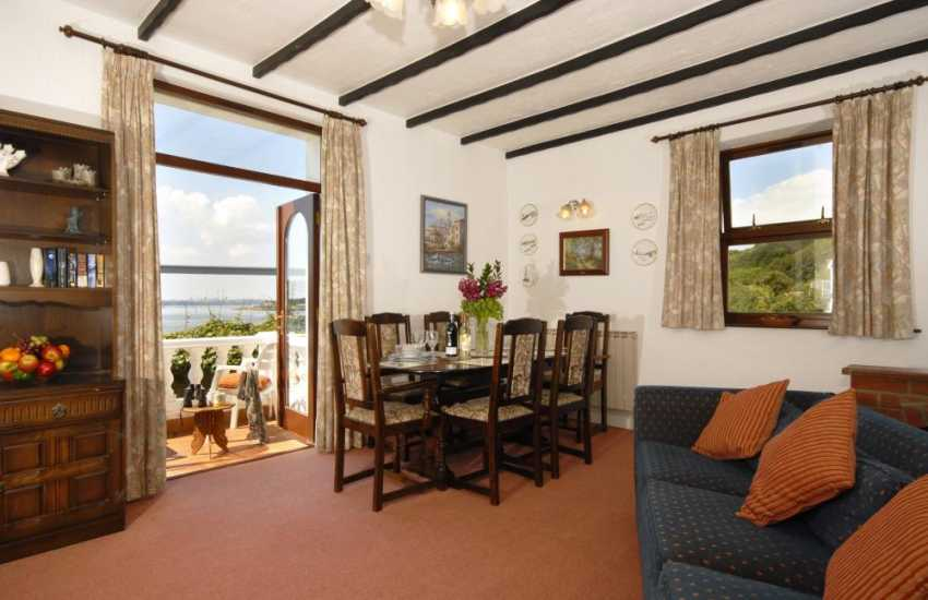 South Pembrokeshire holiday home overlooking the Cleddau River - open plan living