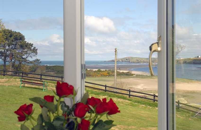 Poppit Sands holiday home with stunning coastal views