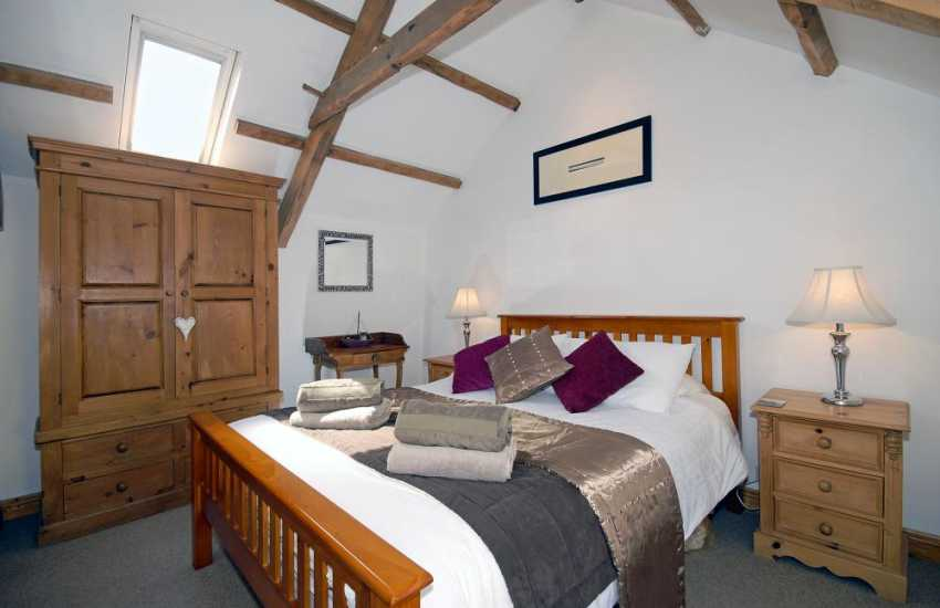 St Davids holiday cottage - master king size double