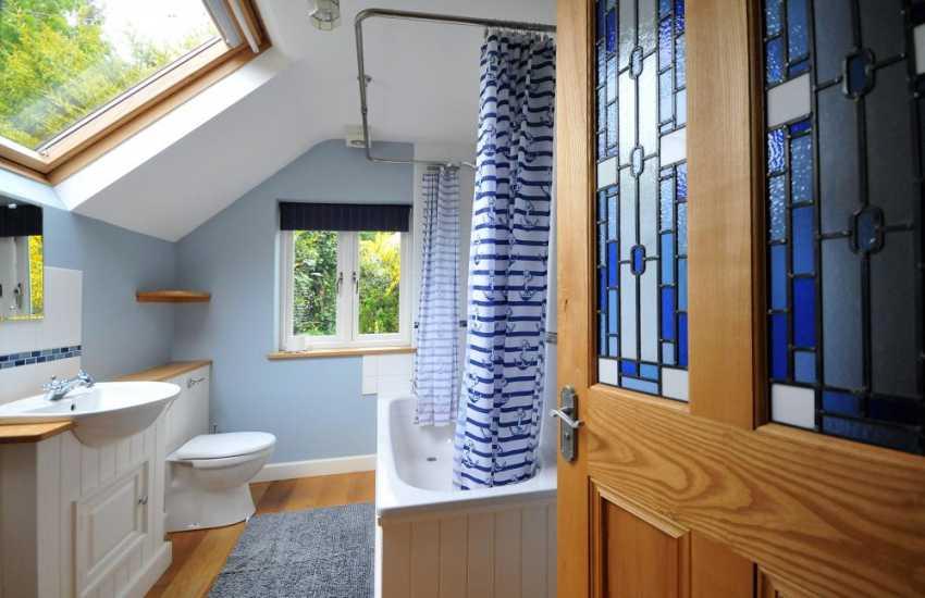 Betws y Coed holiday cottage  - bathroom