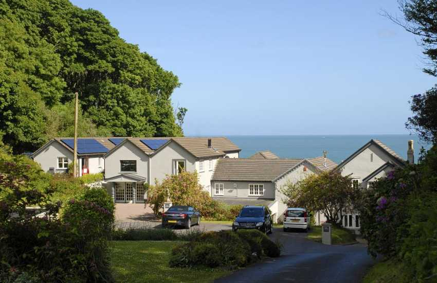 Saundersfoot large holiday house with own beach - dogs welcome