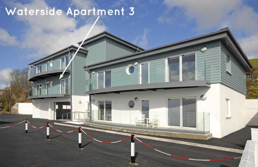 Haven Waterway Pembrokeshire - second floor apartment with deck and river views - sorry no pets