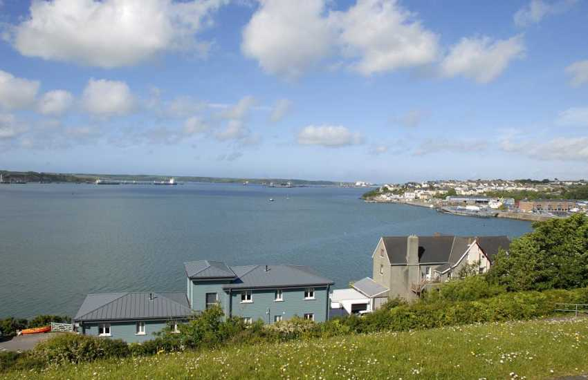 Pembrokeshire holiday apartment with stunning views over the Haven Waterway