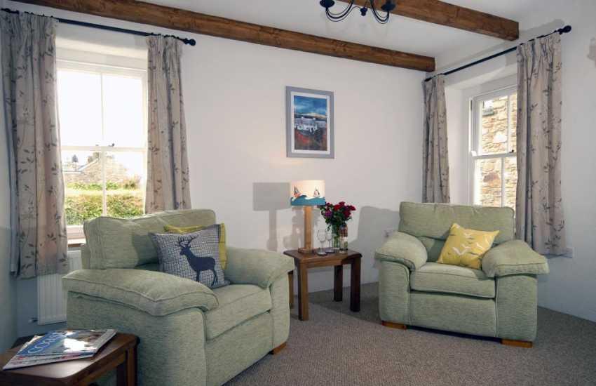 St Davids restored holiday cottage - cosy lounge