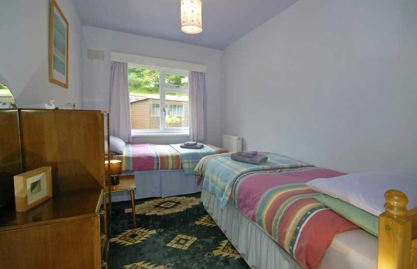 Newport Pembrokeshire holiday home sleeps 7 - twin