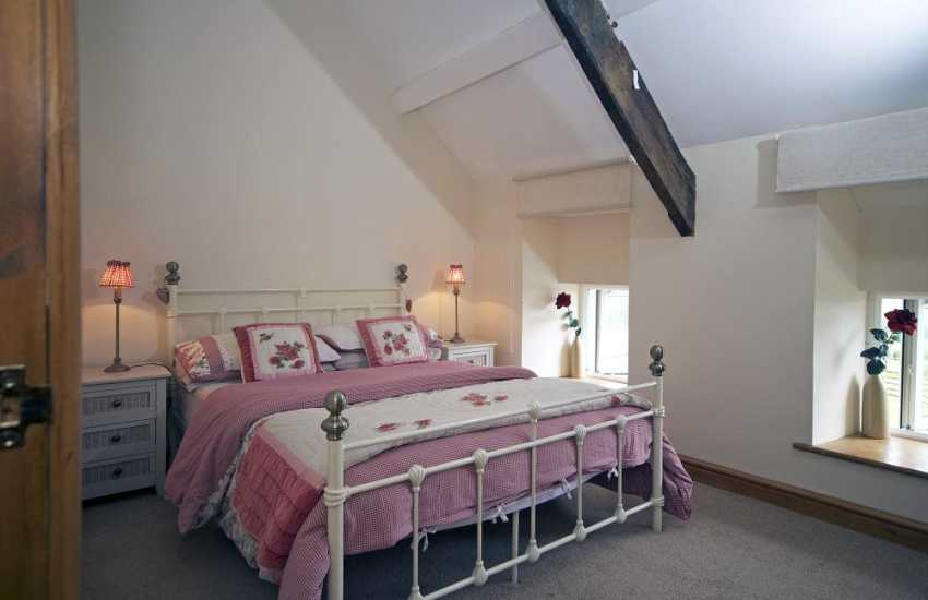 Luxury coastal cottage north Wales - bedroom