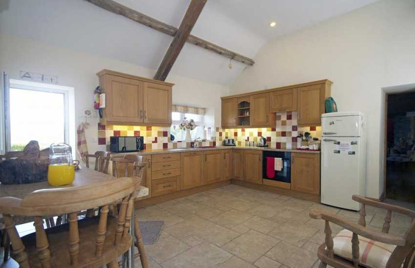 Pet friendly holiday cottage Lleyn Peninsula - kitchen