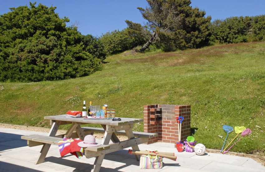 Holiday cottage on the Pembrokeshire coast with private garden - pets welcome