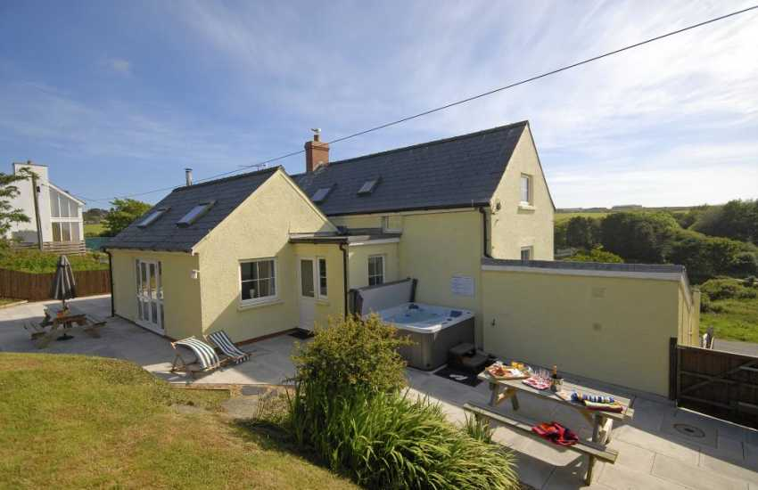 Porthgain North Pembrokeshire holiday home with hot tub and enclosed gardens