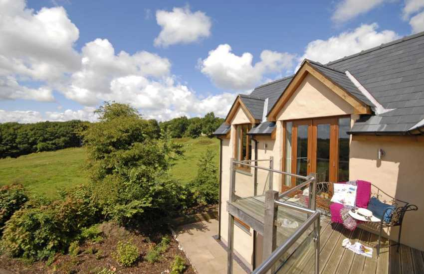 Pembrokeshire National Park - holiday cottage with views over the Stackpole estate