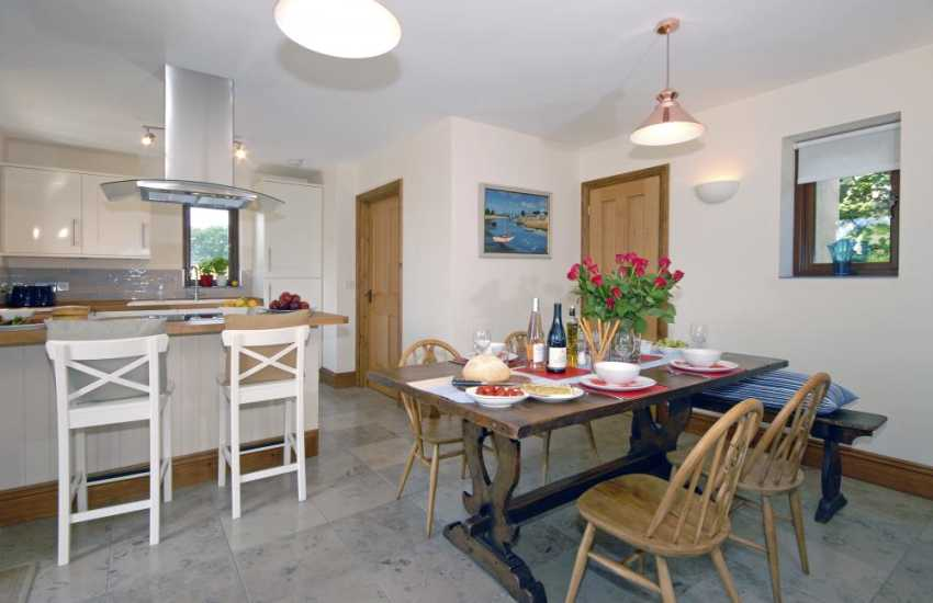 Self catering Stackpole Pembrokeshire - open plan kitchen/dining room