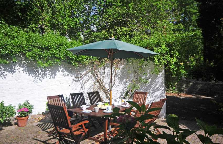 Brecon Beacons holiday cottage - patio