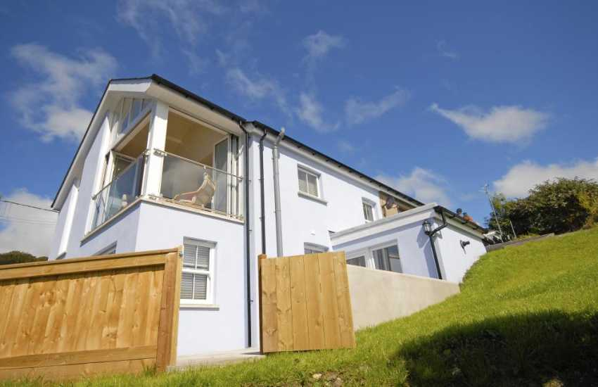 Gwaun Valley luxury modern holiday home with gardens - pets welcome