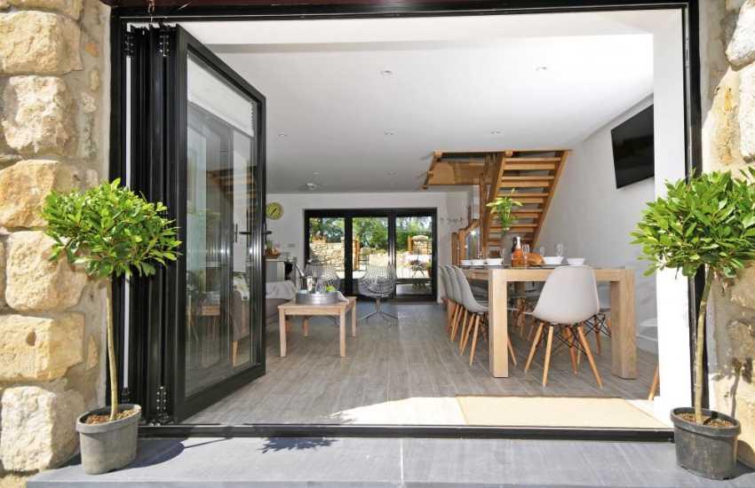Aberffraw holiday cottage - lounge