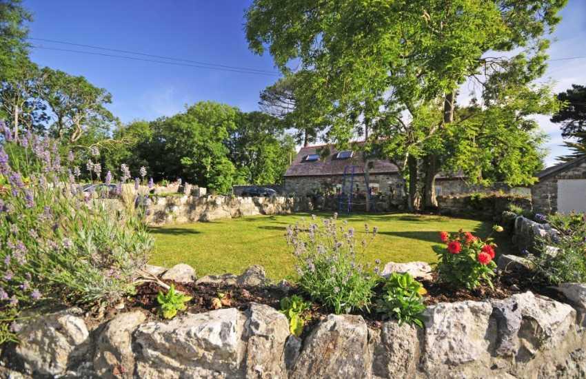 Holiday cottage Abeffraw - garden