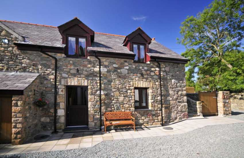 Aberffraw holiday cottage - exterior