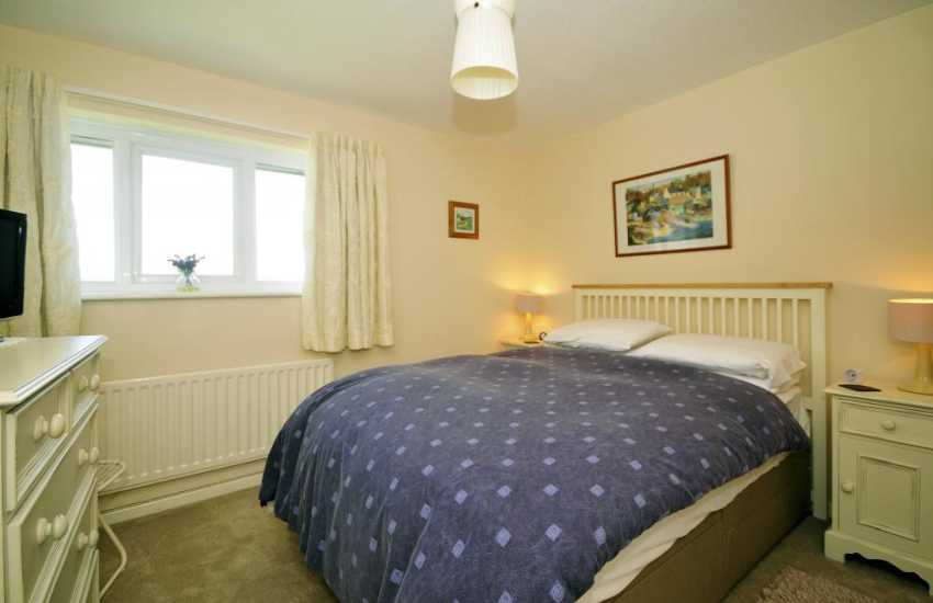 Borth y Gest holiday cottage - double bedroom